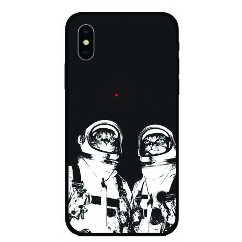 Калъфче за iPhone 19  Кoтки астронавти